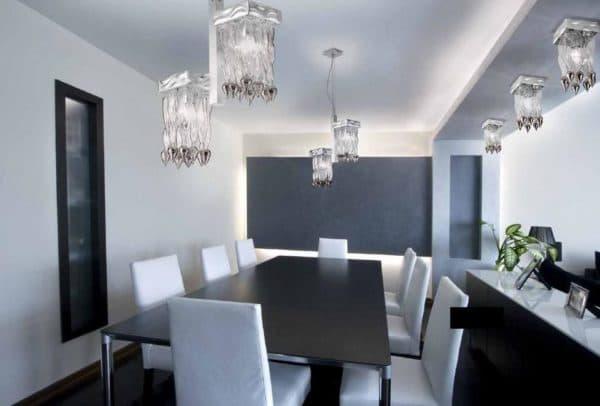 Интерьер квартиры с лампочками люминесцентными