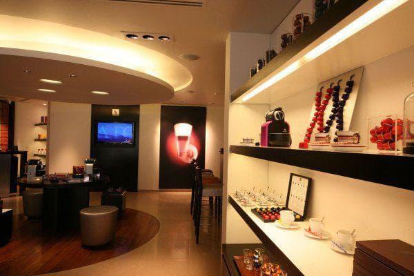 Освещение коммерческого помещения LED лампами