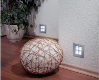 Светильники в стене