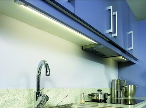 LED лента для зонального освещения на кухне