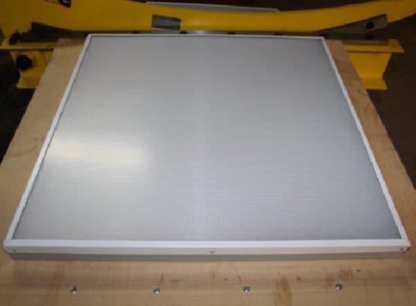 Корпус прямоугольный с матовым стеклом из пластика