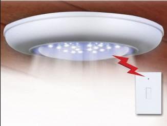 Потолочная лампа на батарейках