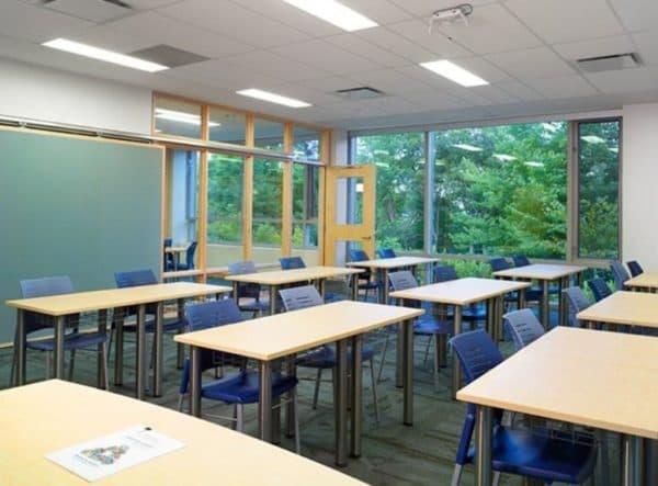 Светильники Varton в школе