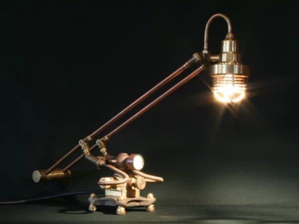 Лампа на стол в стиле стимпанк