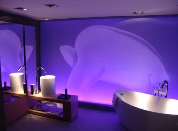 Ванная комната с диодной подсветкой
