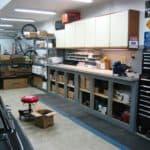 Светильники для гаража: выбор, монтаж и правила безопасности